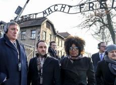 Michael Freilich in Auschwitz met Jan Jambon
